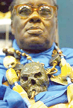 'Lizzies' and the Human Dilemma ... CREDO MUTWA : AFRICAN SHAMAN ... Reptilian Revelations Out of Africa