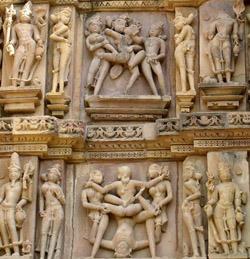 84614-Erotic-statues--Khajuraho-0
